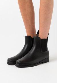 Vero Moda - VMSIS BOOT - Stivali di gomma - black - 0
