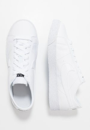 BLAZER - Sneakers laag - white/black
