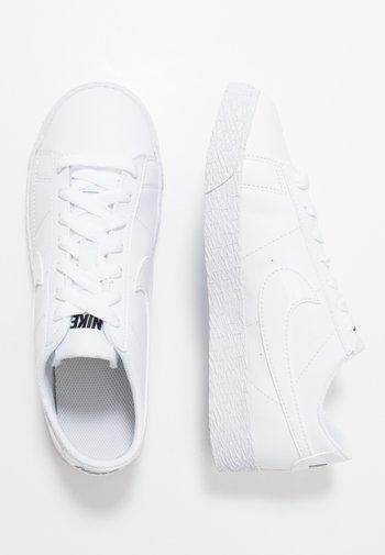 BLAZER - Trainers - white/black