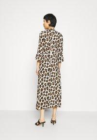 Closet - CLOSET HIGH NECK FRONT SLIT DRESS - Day dress - brown - 2