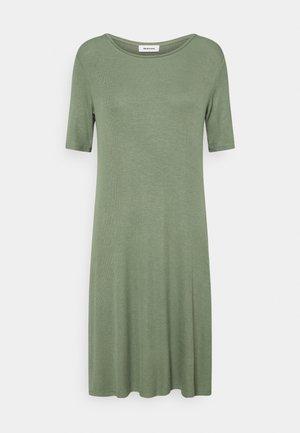 KROWN DRESS - Žerzejové šaty - sea green