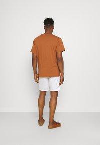Scotch & Soda - STUART CLASSIC - Shorts - white - 2