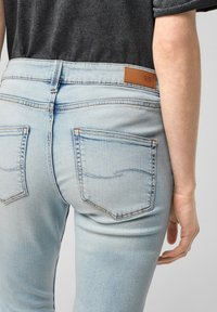 QS by s.Oliver - Jeans Skinny Fit - light blue - 5