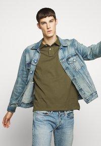 Polo Ralph Lauren - CUSTOM SLIM FIT MESH POLO - Polo shirt - defender green - 4