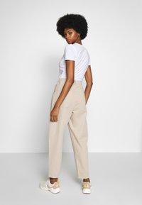 edc by Esprit - BARREL LEG UTIL - Spodnie materiałowe - sand - 2