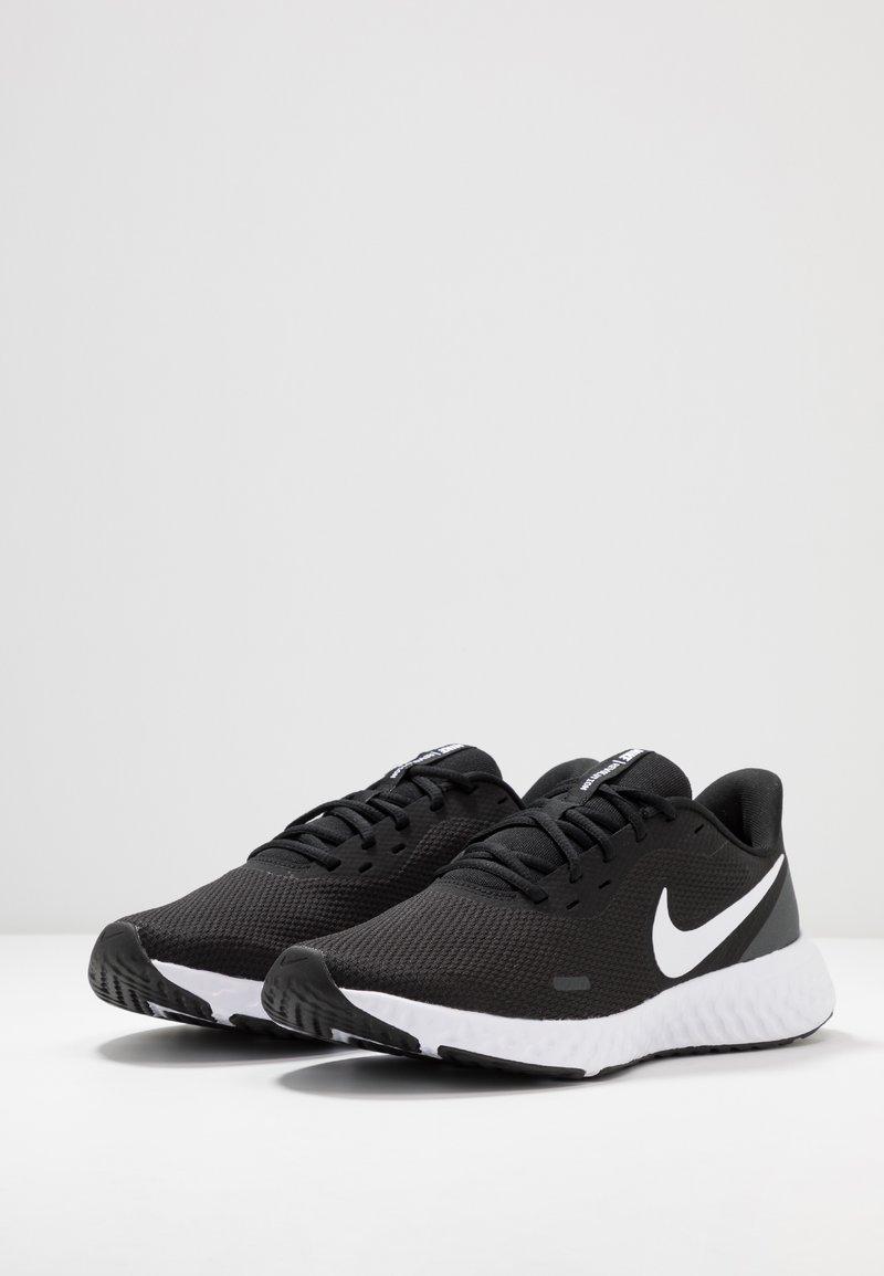 Nike Performance REVOLUTION 5 - Chaussures de running neutres -  black/white/anthracite - ZALANDO.FRZalando