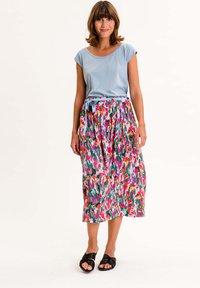 UVR Berlin - PALMIRAINA - A-line skirt - bunt mit floralem print - 2