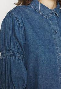 Missguided - ELASTICATED PUFF SLEEVE DRESS - Dongerikjole - blue - 5