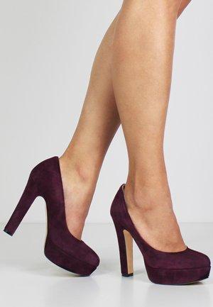 High heels - bordeaux