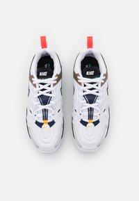 Nike Sportswear - AIR MAX VAPORMAX EVO - Trainers - white/tech grey/midnight navy/hyper blue - 3
