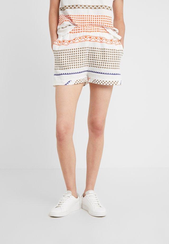 Shorts - coral