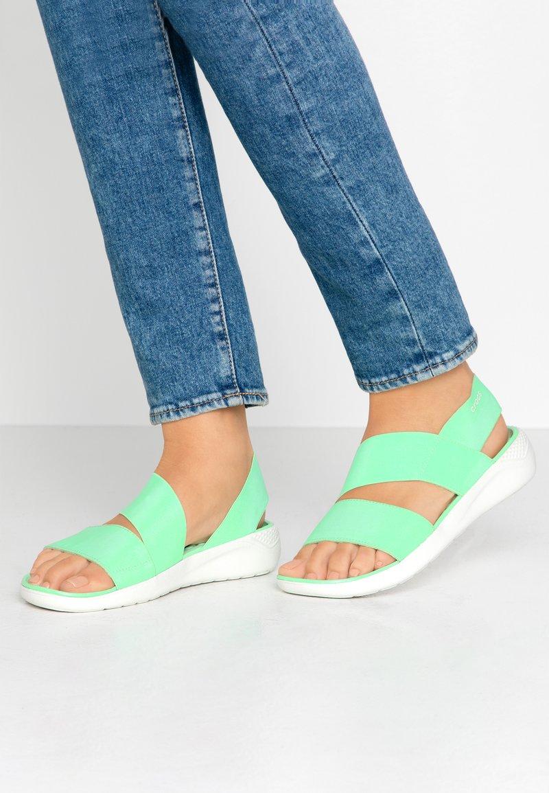 Crocs - LITERIDE STRETCH  - Domácí obuv - neo mint/almost white