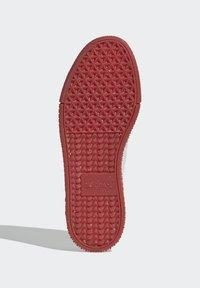 adidas Originals - SAMBAROSE - Joggesko - footwear white/scarlet/core black - 4