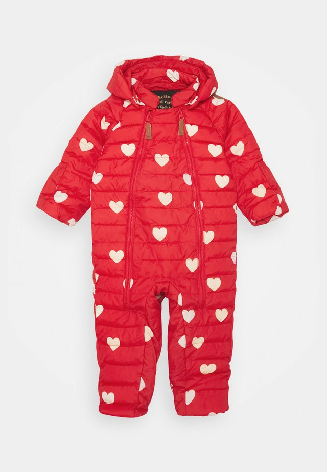HEARTS BABY OVERALL - Schneeanzug - red