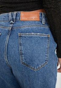 Noisy May Petite - NMMIA HEAT - Jeans Straight Leg - medium blue denim - 4