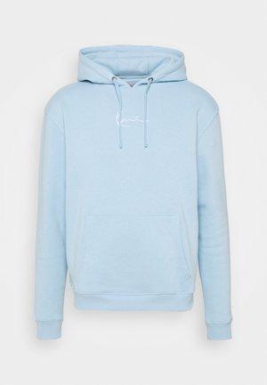SMALL SIGNATURE HOODIE UNISEX - Felpa - light blue