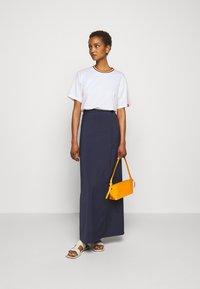Victoria Victoria Beckham - RAINBOW - Print T-shirt - white - 1