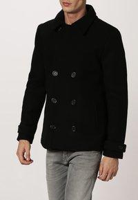 Pier One - Halflange jas - black - 2