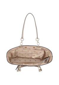 Guess - CHIC SHINE - Handbag - blush - 5