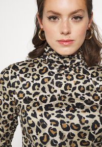 Pieces - PCNALA TURTLE NECK - Long sleeved top - natural - 4