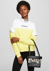 KARL LAGERFELD - Handbag - black/white - 1