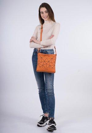 JESSY-LU - Across body bag - orange