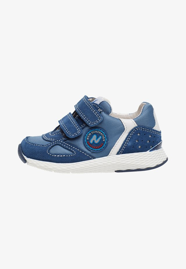 ISAO - Trainers - azure blue