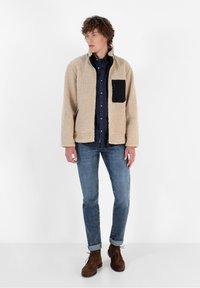 Scalpers - REVERSIBLE - Fleece jacket - beige - 1