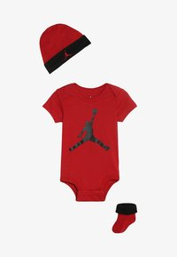 Jordan - JUMPMAN HAT BOOTIE SET - Čepice - gym red/black - 3