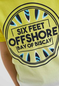 WE Fashion - Print T-shirt - yellow - 2