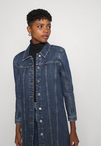 ONLY - ONLSMITH PADDED - Short coat - light blue denim - 3