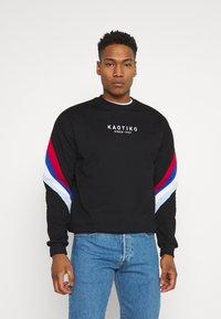 Kaotiko - UNISEX CREW WALKER - Sweatshirt - black - 0