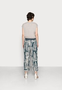 someday. - CHOLENA - Trousers - pacific - 2