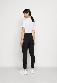 Topshop Petite - JAMIE - Jeans Skinny Fit - pure black - 2