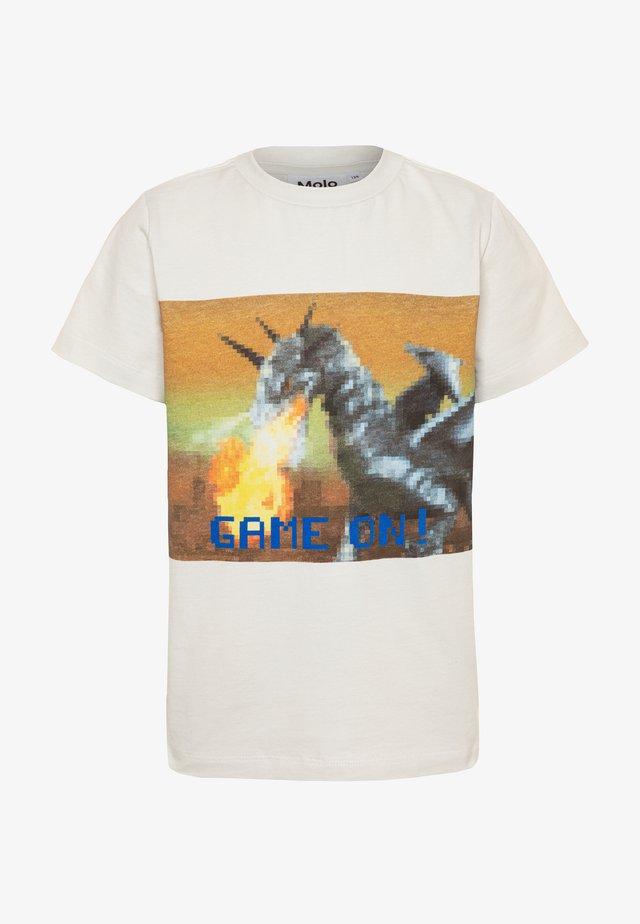 ROAD - T-shirts med print - white