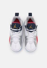 Jordan - ZOOM '92 UNISEX - Basketball shoes - white/obsidian/true red/metallic silver/pure platinum - 3