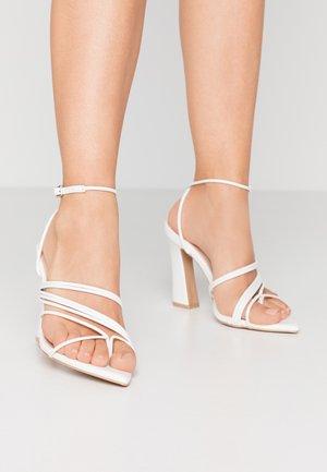 GLADDIN - Højhælede sandaletter / Højhælede sandaler - white