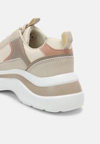 RAID - ROCKY - Sneakers laag - nude - 7