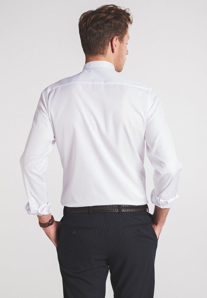 Eterna SLIM FIT - Businesshemd - weiß e8hKFU