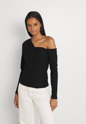 ANGULAR TIPPED SHOULDER - Long sleeved top - black