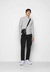 forét - WIND LONGSLEEVE - Long sleeved top - light grey melange - 1