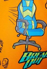 Bershka - MIT GAMING - T-shirt con stampa - orange - 5