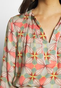 Cartoon - Blouse - taupe/apricot - 5