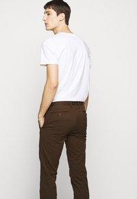 Polo Ralph Lauren - STRETCH SLIM FIT COTTON CHINO - Pantalon classique - mohican brown - 3