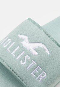 Hollister Co. - COZY SLIDE  - Pantofle - mint - 5