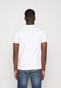 Levi's® - GRAPHIC CREWNECK TEE UNISEX - T-shirt imprimé - neutrals - 2