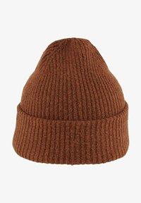 amber brown melange