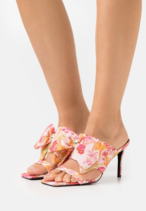 Heeled mules - rose