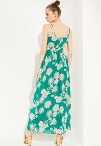 comma - Maxi dress - green big flowers - 2