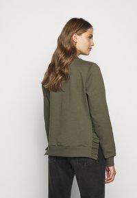 Bruuns Bazaar - RUBINE - Sweatshirt - crocodille - 2